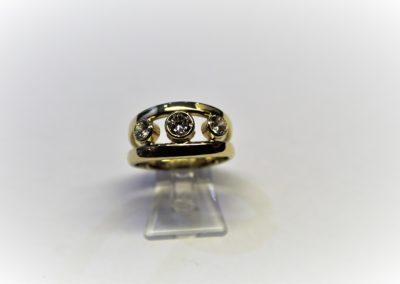 Ring mit Zirkonia 585 Gelbgold